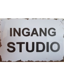 Ingang studio reclamebord