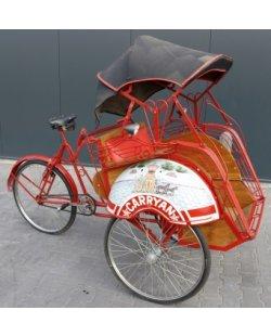 Te huur: riksja, Indonesische becak, fietstaxi